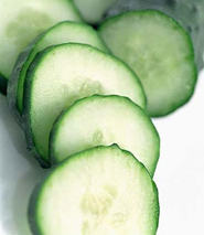 cucumber pieces, cucumber juice, apple cucumber juice, juicer recipe